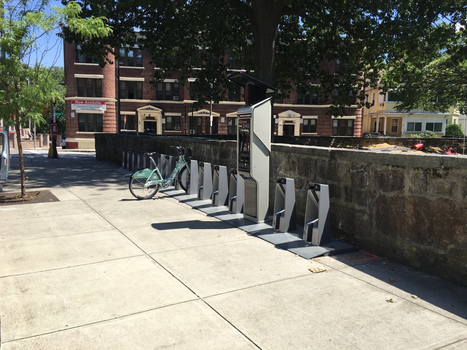 2016 0805 Hubway Walnut St Crawford Install
