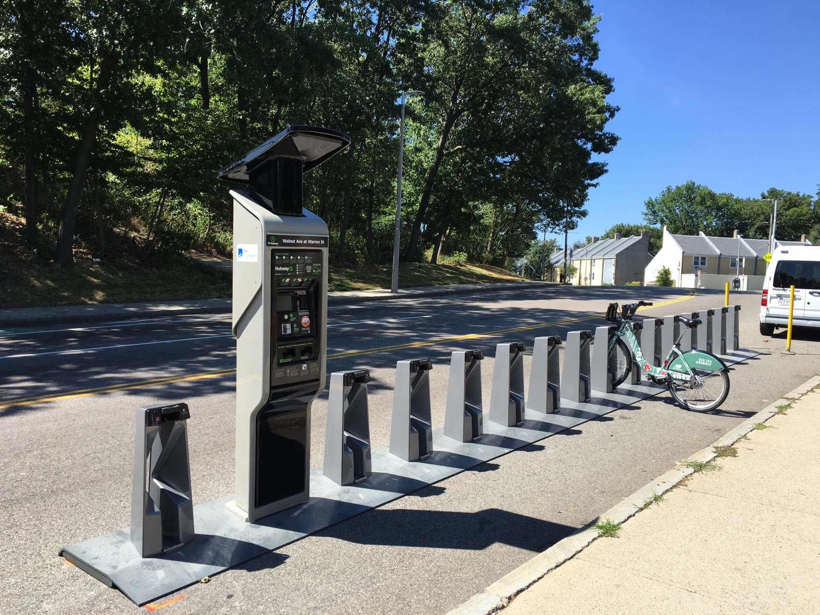 2016 0805 Hubway Walnut Warren Street Installation